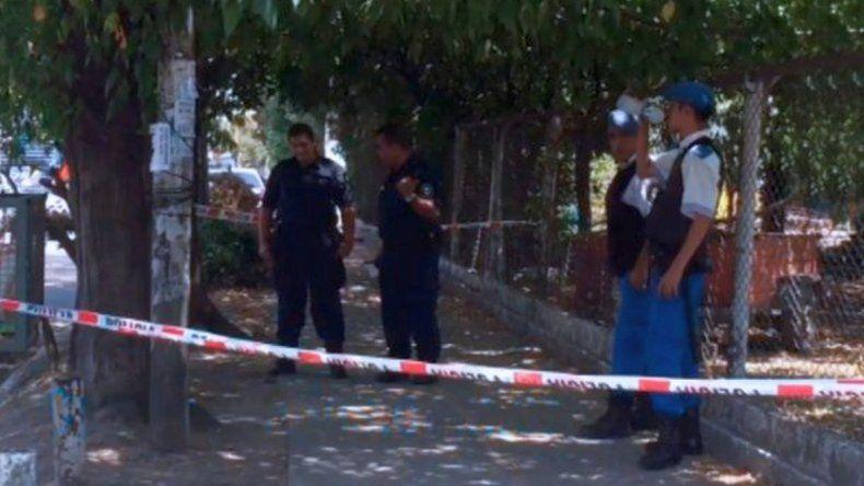 Policía baleó a su novia en la puerta de la Comisaría de la Mujer