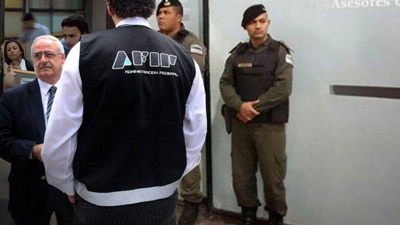 Ordenan detener a siete funcionarios de AFIP y un empresario