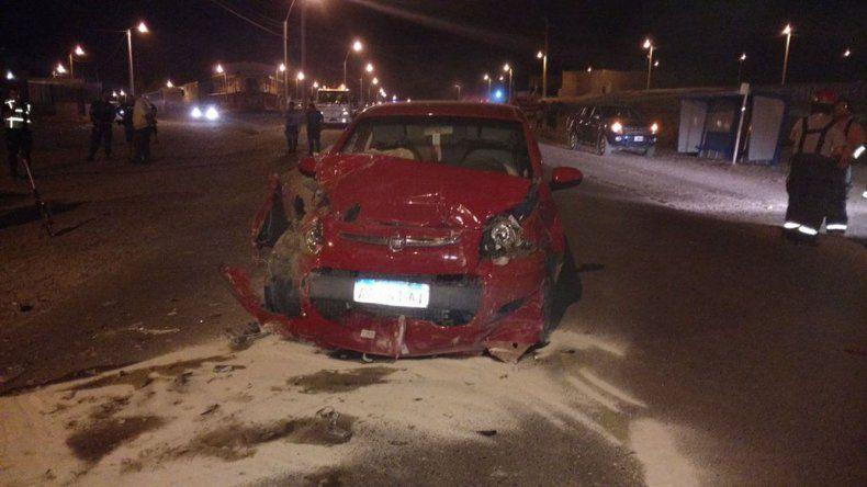 Una joven murió en un choque  entre dos automóviles en Km 5