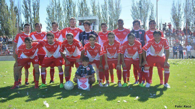 Deportivo Sarmiento va en busca de una victoria en la capital de la provincia.