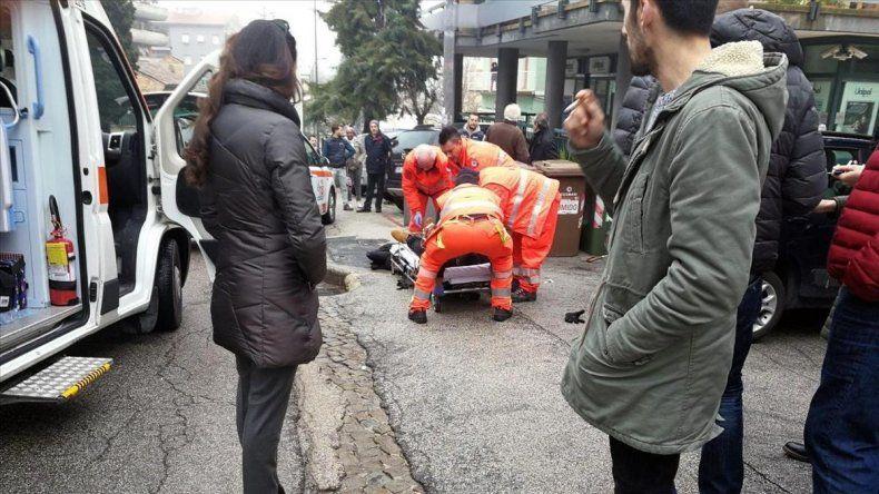 Un ataque racista a inmigrantes caldea el clima electoral en Italia