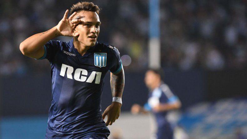 Racing goleó a Huracán con tres goles de Lautaro Martínez