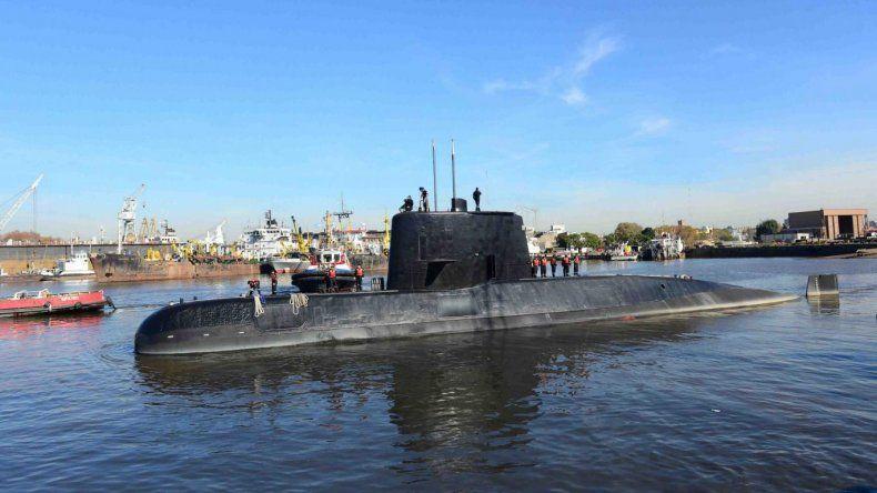Mi marido me dijo que un submarino inglés los siguió
