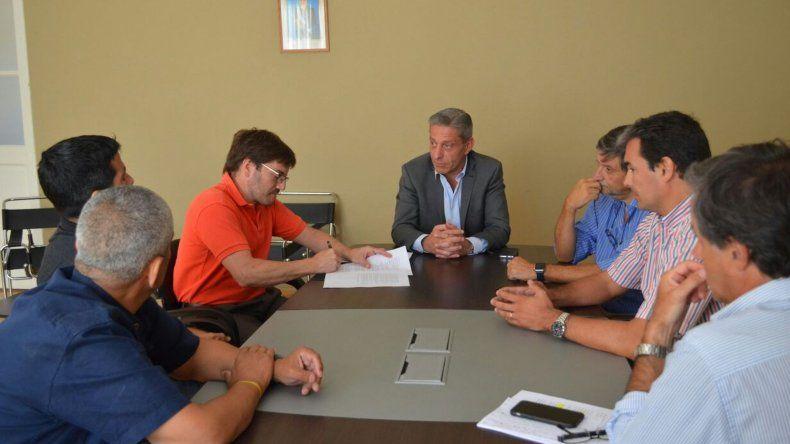 Arcioni firmó acuerdos para la aprobación del Pacto Fiscal