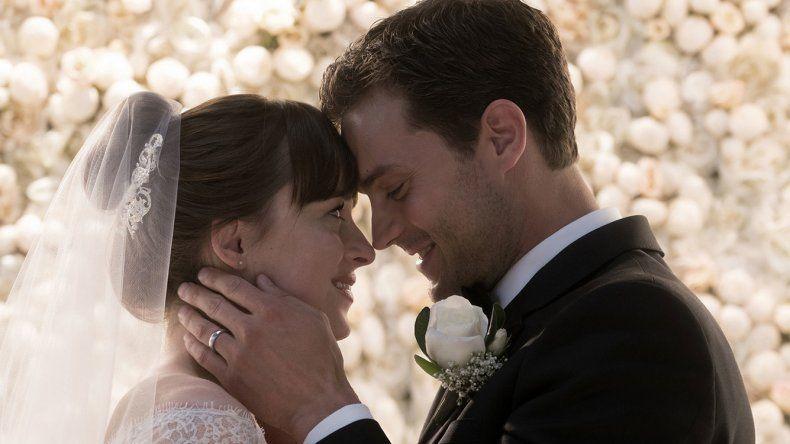Dakota Johnson y Jamie Dornan vuelven a protagonizar a Anastasia Steele y Christian Grey en 50 sombras liberadas.