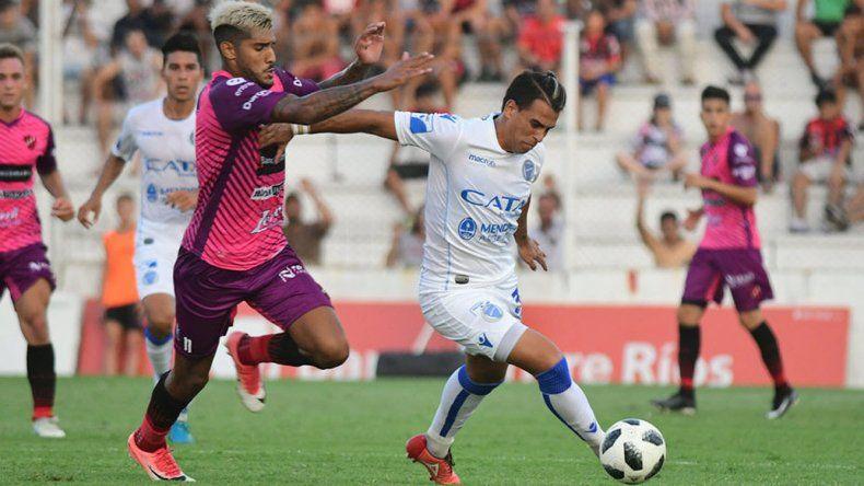 Godoy Cruz viene de empatar como visitante sin goles con Patronato de Paraná.