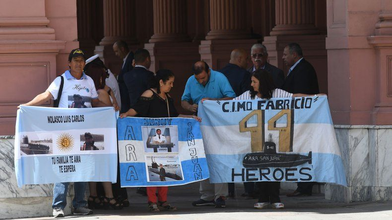 Los familiares de los tripulantes del ARA San Juan pidieron al Gobierno que continúe con la búsqueda.