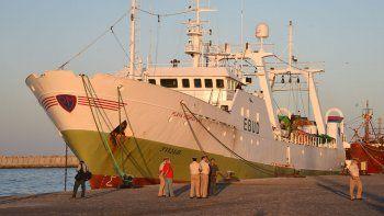 El Playa Pesmar Uno será corrido del puerto porque obstaculiza el normal movimiento de poteros y otras embarcaciones.