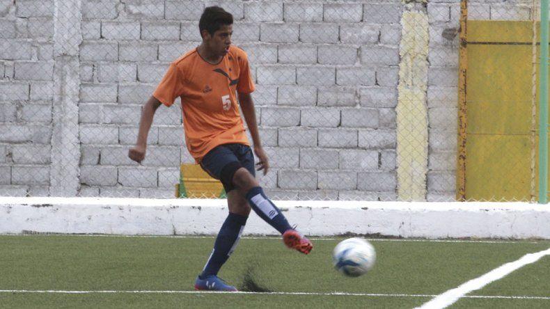 Matías Godoy es de Río Grande y se desempeña como volante central.