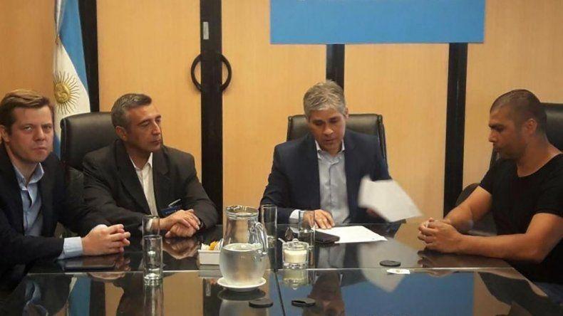 La última reunión celebrada en el Ministerio de Trabajo contó con la presencia del secretario adjunto del gremio petrolero y de autoridades provinciales.