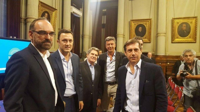 Menna junto a Fernando Iglesias y Luis Petri