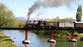 La Trochita despide el año con una salida a tren completo