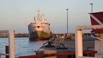 El buque español Playa Pesmar Uno continúa amarrado en el puerto de Comodoro Rivadavia.