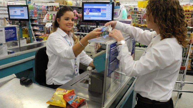 Cinco días sin bancos: cómo retirar dinero sin utilizar los cajeros