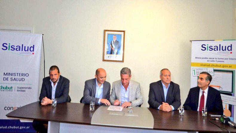 Arcioni firmó obras de ampliación y refacción del Hospital Regional  y morgue