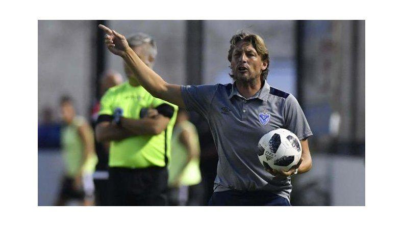Heinze dirige su primer partido en Liniers