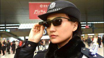 la policia china usa lentes con reconocimiento facial