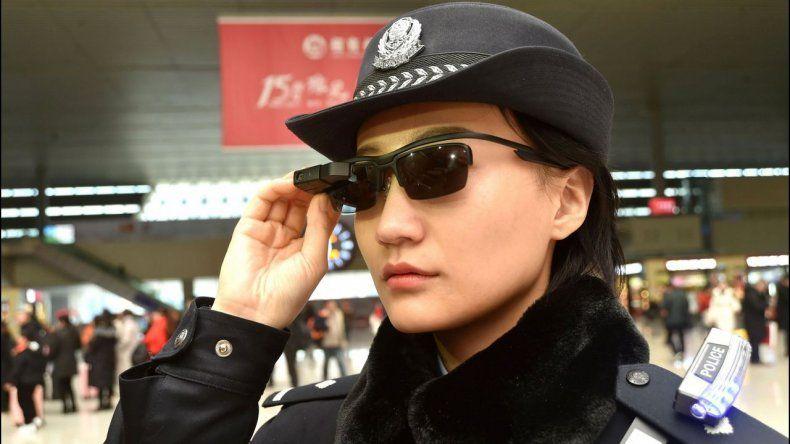 La Policía china usa lentes con reconocimiento facial