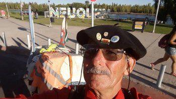 Con 60 años busca unir Ushuaia y Alaska a pie