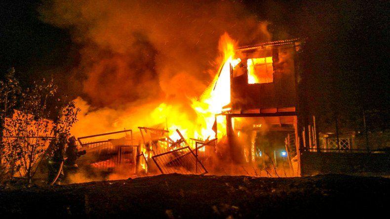 Una vivienda quedó reducida a cenizas en el San Cayetano