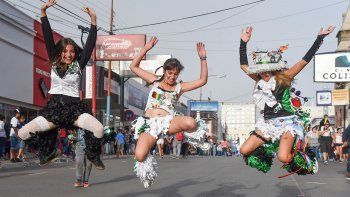 Las murgas se adueñarán hoy de la calle San Martín para celebrar el tradicional Carnaval de Comodoro Rivadavia.
