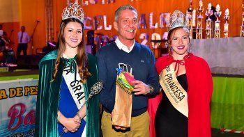 El gobernador Arcioni concluyó su gira por las fiestas populares en Camarones.