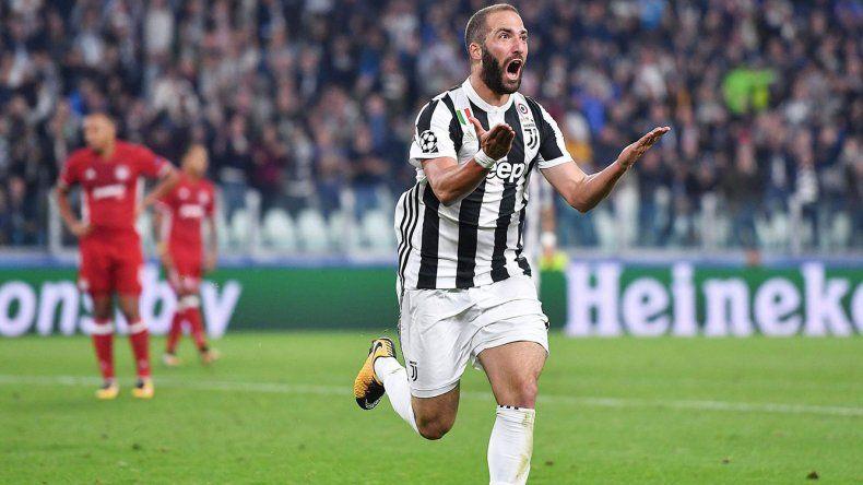 El Pipita Higuaín será puesto en el mercado de pases por la Juventus
