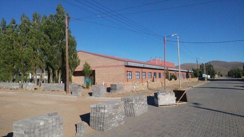 Vialidad Provincial entregó todos los adoquines para la pavimentación de varias cuadras en José de San Martín