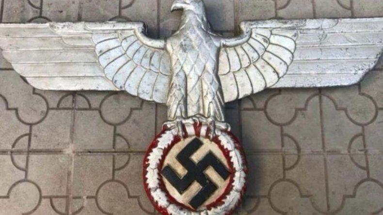 Secuestraron objetos nazis que llegaron por correo a una casa