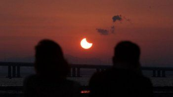 Llegan turistas de todo el mundo para ver el eclipse