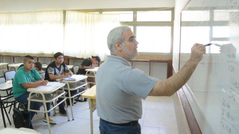 Los profesores trabajan sobre la trayectoria de cada alumno.