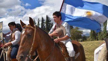 provincia hizo un aporte para trevelin en la fiesta del cipres cordillerano