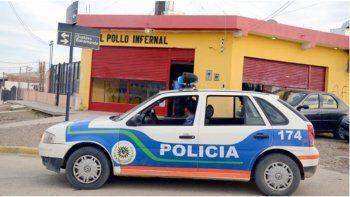 Delincuentes armados asaltaron una rotisería