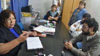 La delegada de la Zona Norte de la Caja de Servicios Sociales, Irene Quintero, recibió en su despacho a un grupo de dirigentes del gremio municipal.