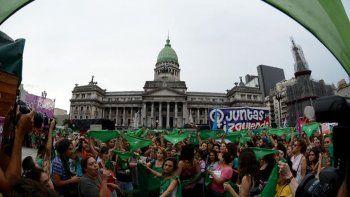 masiva marcha para exigir una nueva ley de aborto