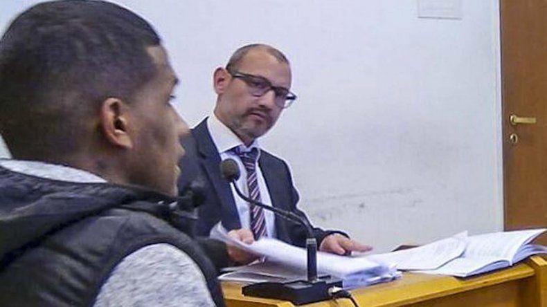 Joel Rodríguez no debía cometer nuevos delitos y tenía varias obligaciones judiciales que cumplir y no lo hizo.