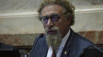 Luego de la manifestación del lunes frente al Congreso, Luenzo respaldó que se avance en un proyecto de ley para legalizar el aborto.