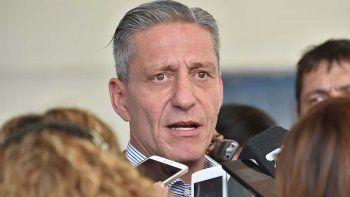 fracaso la sesion: arcioni acuso a los diputados de irresponsables