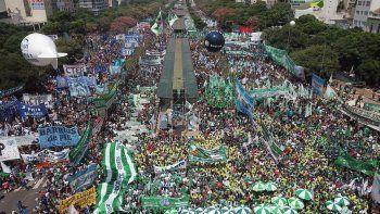 cerca de 500.000 personas marcharon contra el ajuste