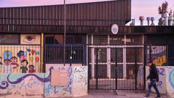 Hoy el Gobierno provincial firmará el contrato que permitirá reparar la Escuela 154 de Comodoro Rivadavia.