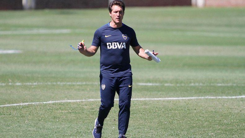 Guillermo Barros Schelotto tiene prácticamente definido el equipo titular para este domingo.