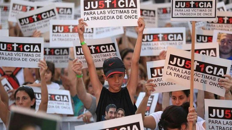 A 6 años de la tragedia de Once, los familiares hacen homenajes y se reúnen con Macri