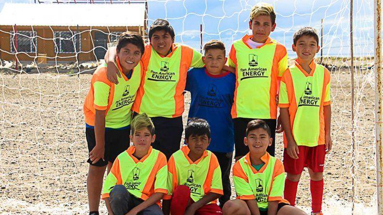 Uno de los equipos que participa en los Juegos Comunitarios de Verano en fútbol.