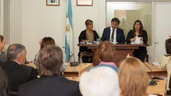 Con un fuerte apoyo al gobernador, y el agradecimiento a concejales y vecinos, Juncos inauguró ayer el período de sesiones del Concejo Deliberante.