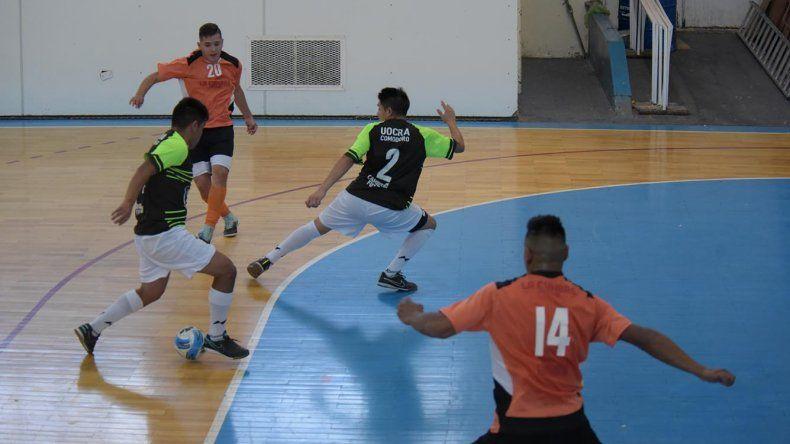 El torneo Clausura de fútbol de salón continuará esta tarde y mañana con más partidos.
