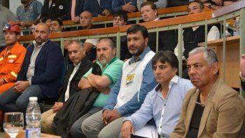 Por haber sido el autor del proyecto de la Ley de Emergencia Hidrocarburífera, el comisionado de fomento de Cañadón Seco, Jorge Soloaga, fue convocado por la Legislatura para estar presente en la sesión extraordinaria celebrada el jueves.