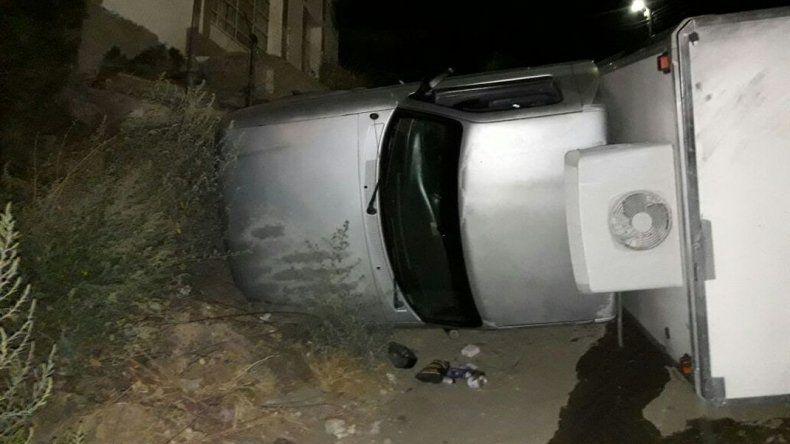 Vuelcos y choques en una noche accidentada en Comodoro