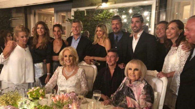 A pesar de estar de licencia médica Macri asistió al cumpleaños de Mirtha