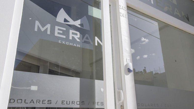 Meran Exchange abrió sus puertas para ofrecer la compra y venta de dólares