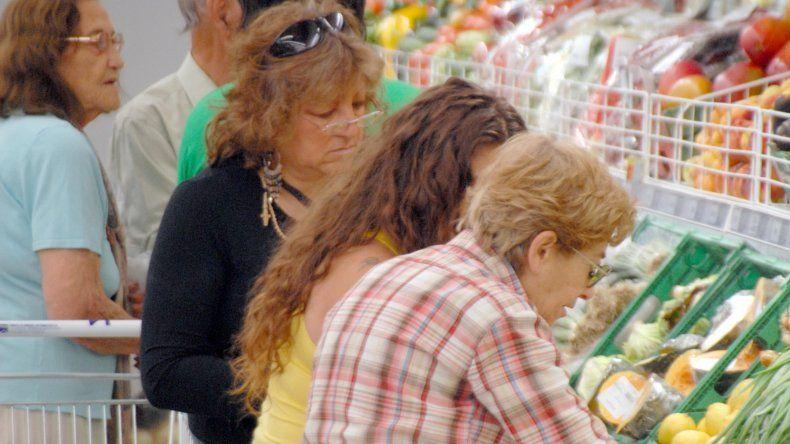 El consumo masivo retrocedió un 2% en el tercer trimestre del año
